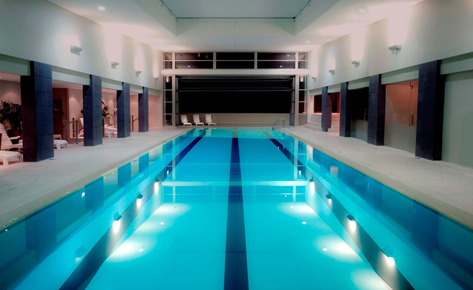 Pullman-Swimming-Pool